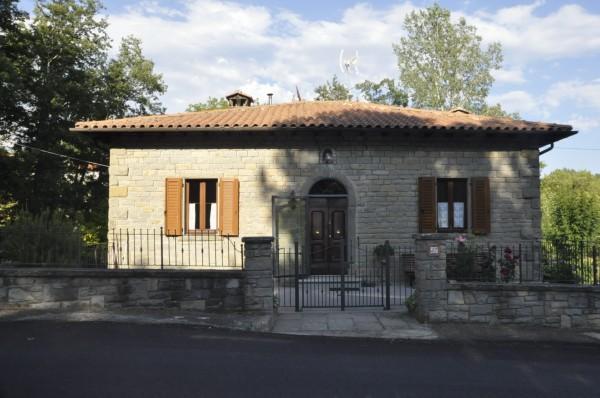 Villa in vendita a Chiusi della Verna, Rsidenziale, Con giardino, 100 mq