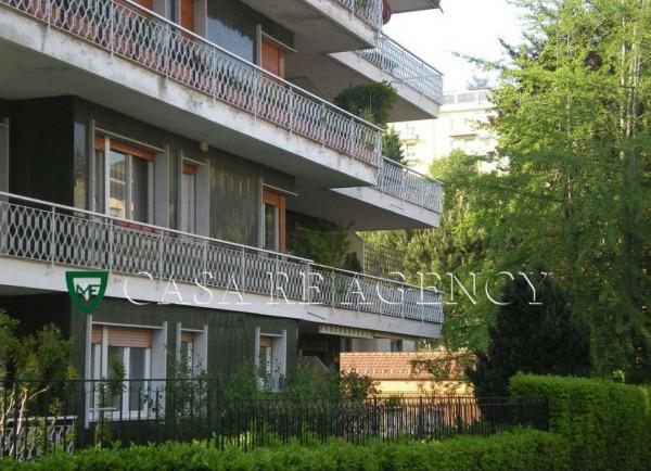 Appartamento in vendita a Varese, Con giardino, 110 mq