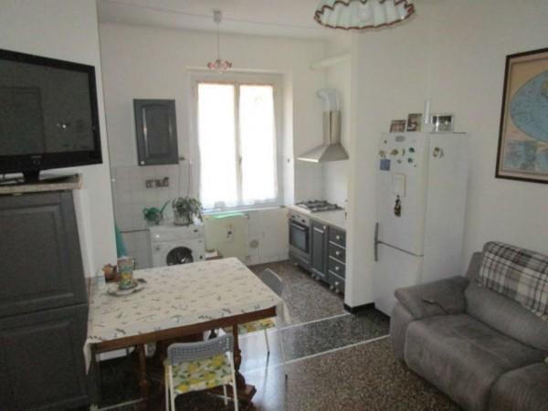 Appartamento in vendita a Genova, Dinegro, 90 mq
