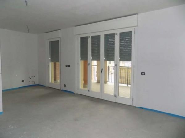 Appartamento in vendita a Garbagnate Milanese, Con giardino, 73 mq