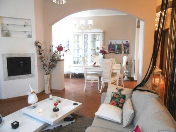 Villa in vendita a Aprilia, Campo Di Carne, Con giardino, 120 mq