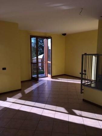 Appartamento in vendita a Corbetta, Corbetta, Con giardino, 88 mq