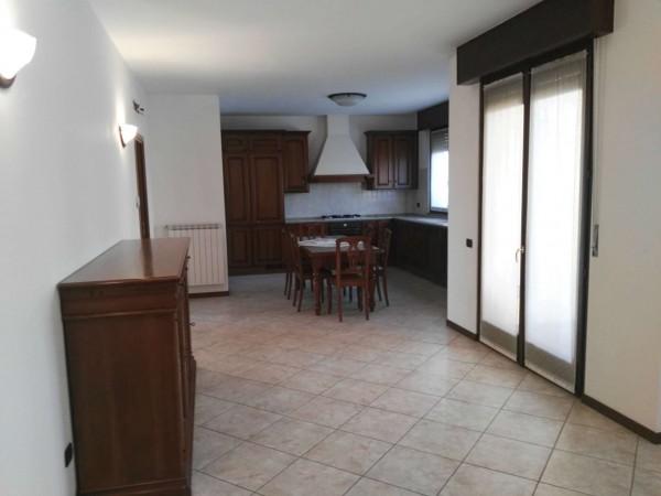 Appartamento in vendita a Busto Garolfo, Residenziale, 110 mq