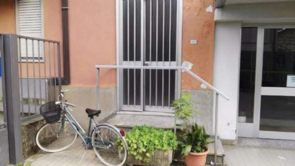 Locale Commerciale  in affitto a Castano Primo, 75 mq