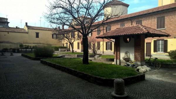Appartamento in affitto a Corbetta, Centro, Con giardino, 100 mq