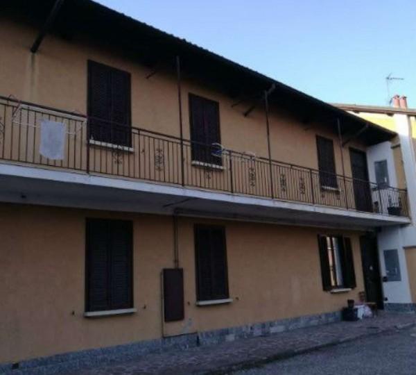 Appartamento in affitto a Corbetta, Centro, Con giardino, 70 mq