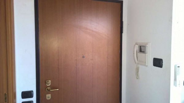 Appartamento in affitto a Corbetta, Semi-centrale, Con giardino, 75 mq - Foto 2