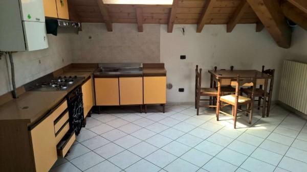 Appartamento in affitto a Corbetta, Semi-centrale, Con giardino, 75 mq - Foto 1