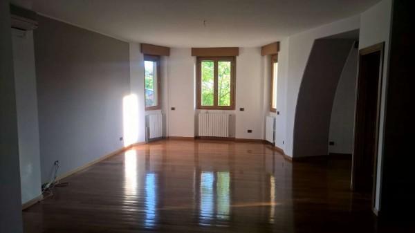 Appartamento in affitto a Magenta, Centro, Con giardino, 150 mq - Foto 7