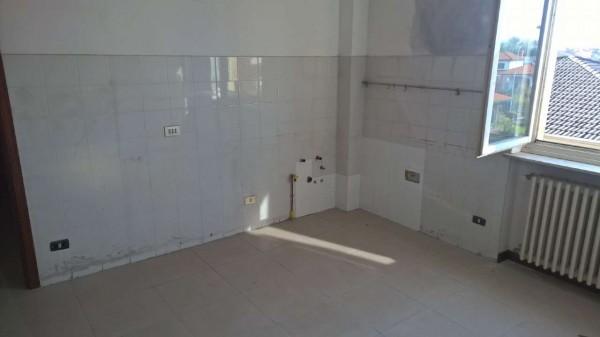 Appartamento in affitto a Robecco sul Naviglio, Residenziale, Con giardino, 70 mq