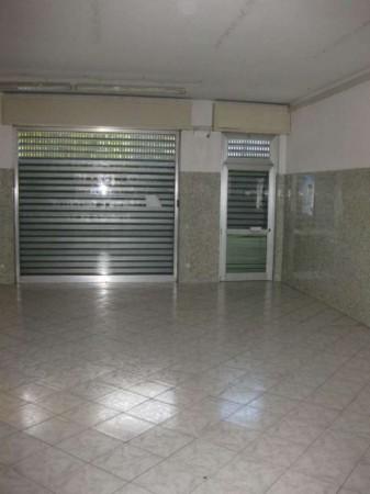 Negozio in affitto a Sedriano, Semi Centrale, 60 mq