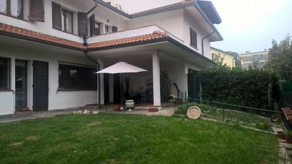 Villetta a schiera in affitto a Settimo Milanese, Residenziale, Con giardino, 300 mq