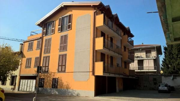 Appartamento in affitto a Vittuone, Centrale, Con giardino, 60 mq