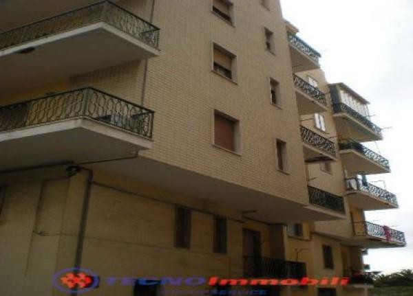 Appartamento in affitto a Borghetto Santo Spirito, 85 mq
