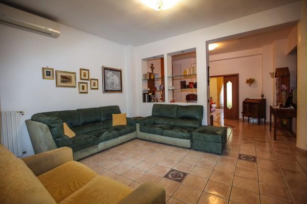 Appartamento in vendita a Taranto, Italia Montegranaro, 150 mq