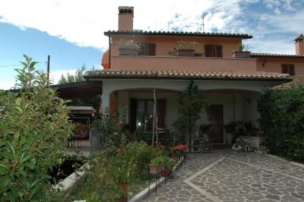 Villa in vendita a Spoleto, Periferia, Con giardino, 180 mq