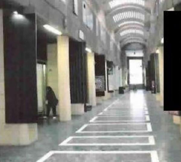 Negozio in vendita a Genova, Piccapietra, 130 mq