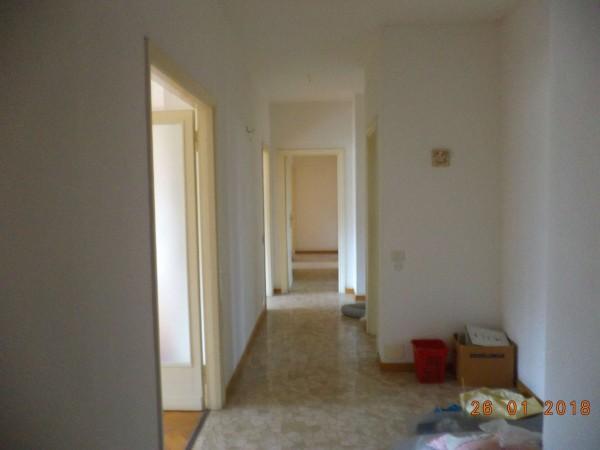 Appartamento in affitto a Milano, Repubblica, 170 mq