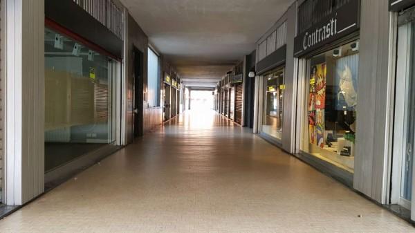 Locale Commerciale  in affitto a Cusano Milanino, Centro, 200 mq - Foto 7