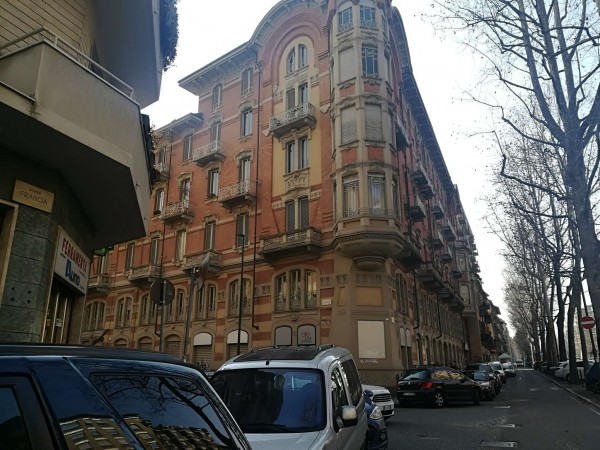 Ufficio in vendita a Torino, Piazza Bernini, 215 mq