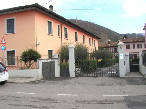 Immobile in vendita a Brescia, Mompiano, Con giardino
