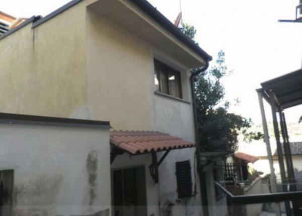 Casa indipendente in vendita a Poggio a Caiano, 57 mq