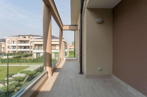 Appartamento in vendita a Cernusco sul Naviglio, Con giardino, 145 mq