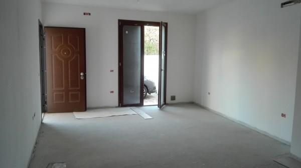 Appartamento in vendita a Oristano, Semi-centrale, Con giardino, 60 mq