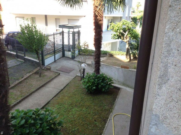Casa indipendente in vendita a Gallarate, Con giardino, 150 mq - Foto 2
