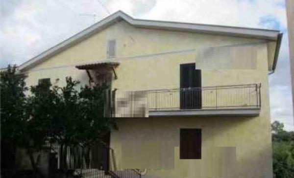 Appartamento in vendita a Genzano di Roma, 61 mq