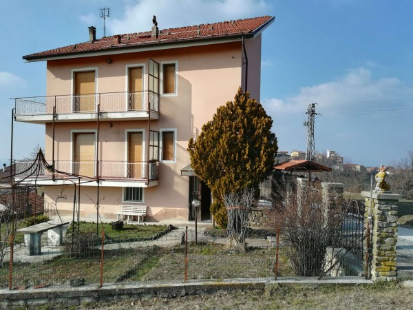 Casa indipendente in vendita a Belvedere Langhe, Con giardino, 220 mq - Foto 1