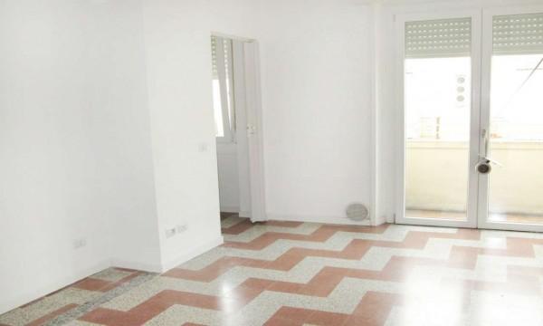Appartamento in affitto a Milano, Certosa, 50 mq