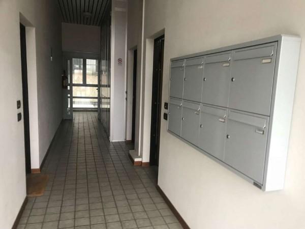 Ufficio in vendita a Bologna, Roveri, 25 mq