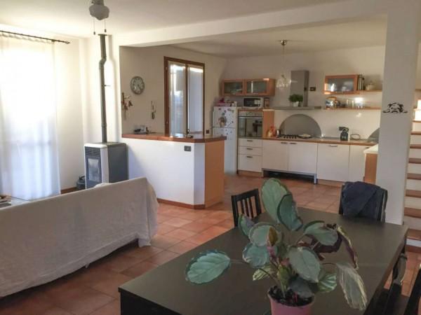Villa in vendita a Monte Cremasco, Residenziale, Con giardino, 176 mq