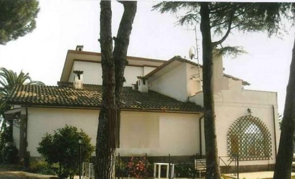 Villa in vendita a Velletri, 443 mq
