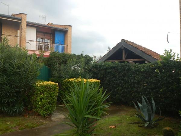 Casa indipendente in vendita a Ardea, Tor San Lorenzo, Con giardino, 90 mq