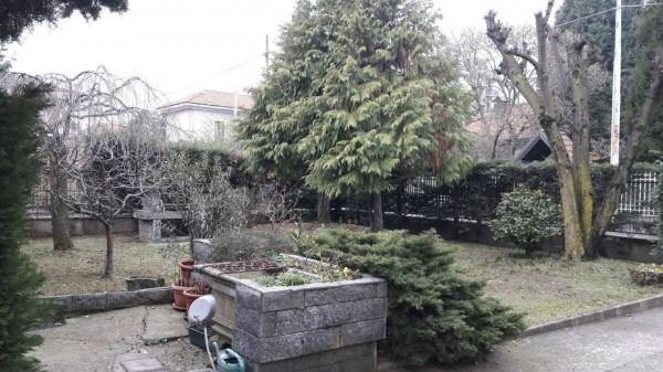Casa indipendente in vendita a Samarate, Con giardino, 250 mq - Foto 1