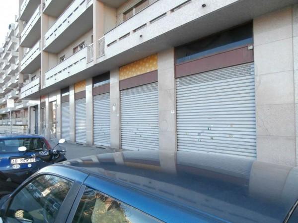 Negozio in vendita a Torino, 150 mq