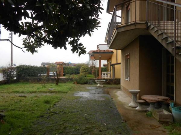 Villa in vendita a Spino d'Adda, Residenziale, Con giardino, 264 mq