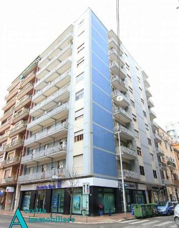 Appartamento in vendita a Taranto, Centrale, 100 mq