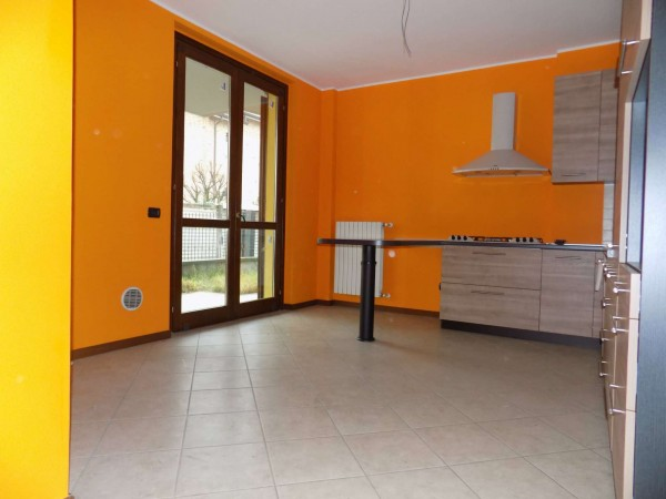 Appartamento in vendita a Senago, Con giardino, 57 mq