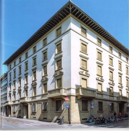 Appartamento in vendita a Firenze, Con giardino, 59 mq