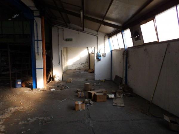 Locale Commerciale  in vendita a Lazzate, 1060 mq - Foto 8