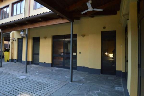Locale Commerciale  in affitto a Orbassano, Centro Orbassano, Con giardino, 120 mq - Foto 12