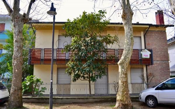 Casa indipendente in vendita a Cesenatico, Con giardino, 500 mq