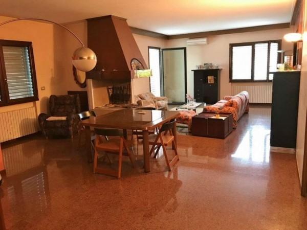 Casa indipendente in vendita a Padova, Con giardino, 285 mq