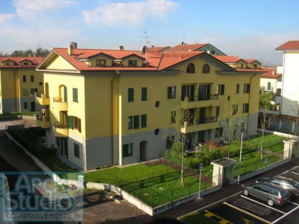 Appartamento in vendita a Cassano d'Adda, Vallette, Con giardino, 110 mq