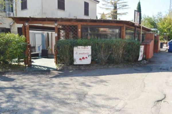Locale Commerciale  in vendita a Roma, San Basilio, Arredato, 120 mq - Foto 1