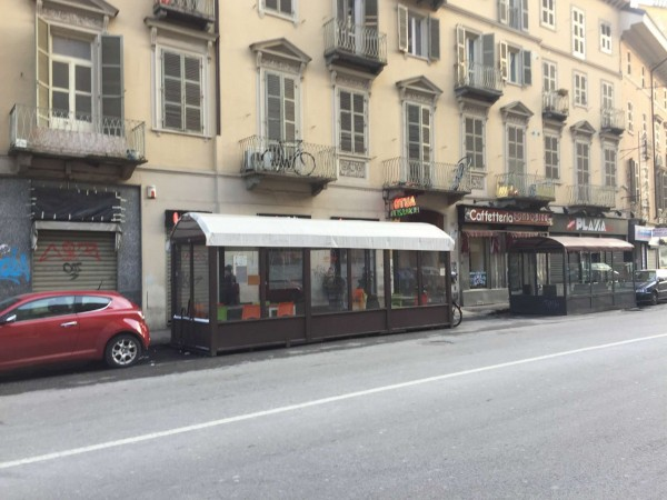 Locale Commerciale  in vendita a Torino, Arredato, 65 mq