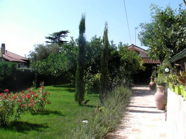 Casa indipendente in vendita a Sanremo, Residenziale, Con giardino, 87 mq